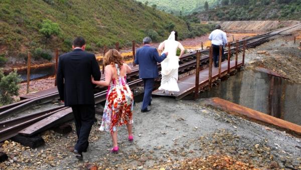 """Manola, """"La boda o la vía"""", 2009"""